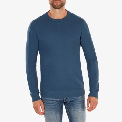 Cambridge Sweater, Dark jeans