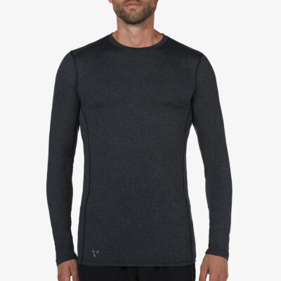 Boston lightweight black melange sportshirt for tall men. Equipped with HEIQ nanotechnologies Smart Temp and Fresh Tech, which keeps you cool and fresh. Regular fit, crew neck and reflective stripes.