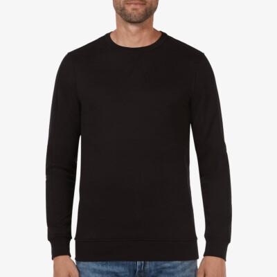 Long black crew neck regular fit Girav Cambridge sweater for men